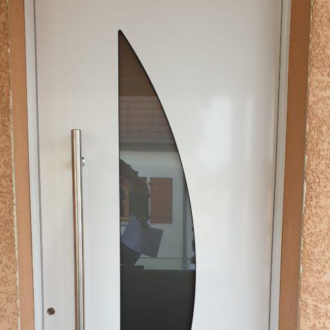 Porte d'entrée en aluminium à BURNHAUPT-LE-HAUT