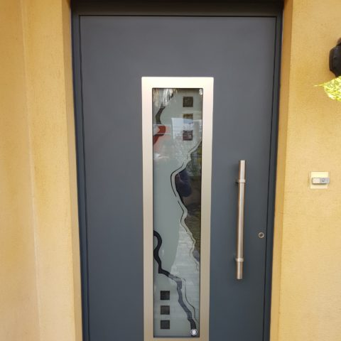 Porte d'entrée en aluminium à CERNAY