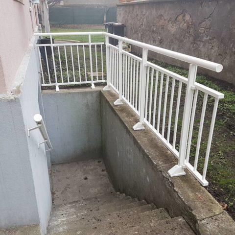 Garde-corps barreaux aluminium à CERNAY (68700)