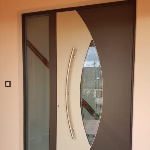 Magnifique porte d'entrée à SIGOLSHEIM près de COLMAR
